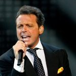 Luis Miguel enfrenta demanda legal con Warner Music